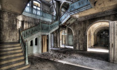 Fotografie kunstwerk lacour gang met trappen op dibond te koop - Schilderij ingang en gang ...