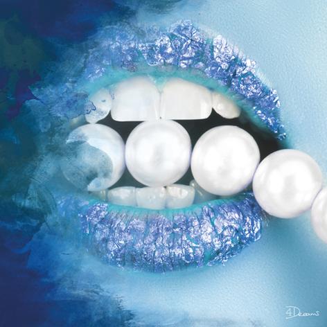 Bas – Pearls Blue