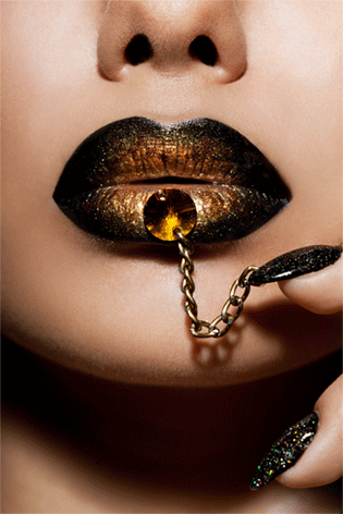 Golden lips with chain