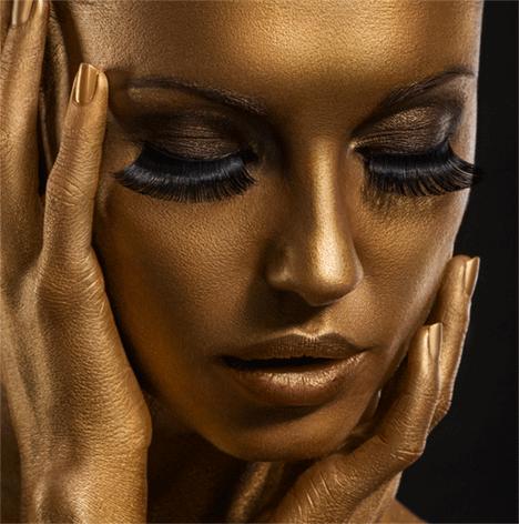 """Aluminium schilderij """"Girl with golden face"""" van Mondiart"""