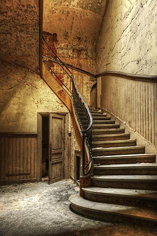 "Aluminium schilderij ""Old wooden staircase"" van Mondiart"