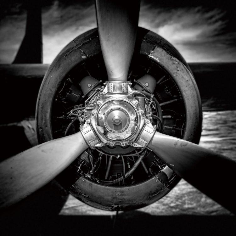Grote vliegtuigpropellor 120