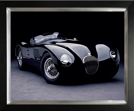 """Ingelijste poster """"Zwarte Jaguar C-type"""" van Mondiart"""