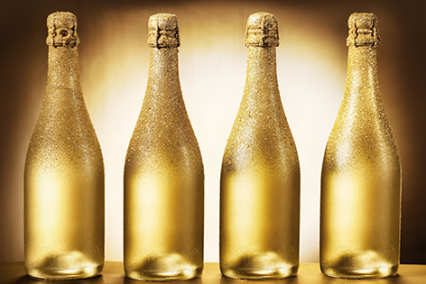 "Aluminium schilderij ""Bottles of luxury golden champagne"" van Mondiart"