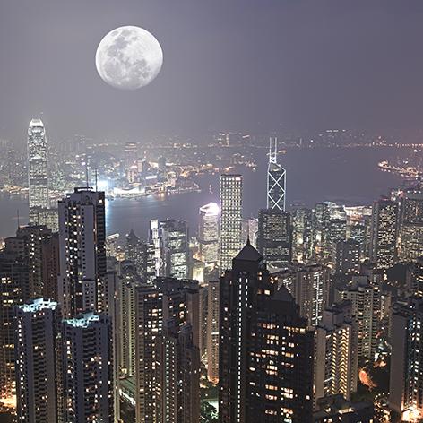 "Aluminium schilderij ""Full moon above the city of Hong Kong"" van Mondiart"
