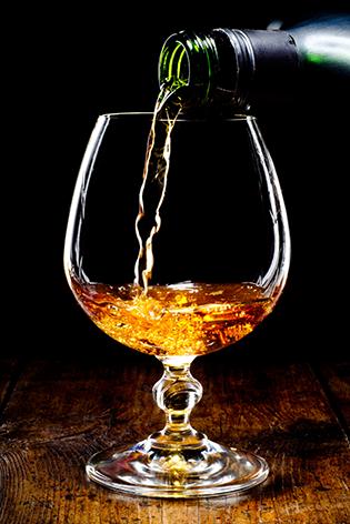 """Aluminium schilderij """"Glass of cognac"""" van Mondiart"""