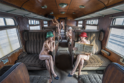 "Aluminium schilderij ""Crooymans – It's hot on the Orient Express"" van Mondiart"