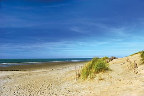 """Aluminium schilderij """"Empty beach"""" van Mondiart"""