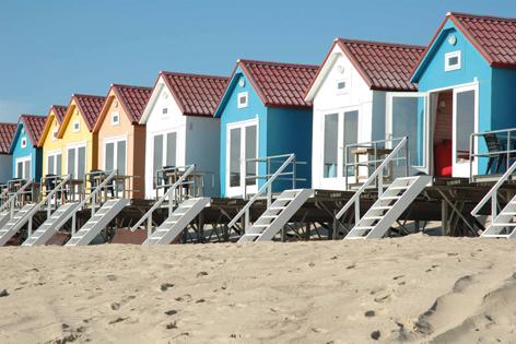 """Aluminium schilderij """"Strandhuisjes op palen"""" van Mondiart"""
