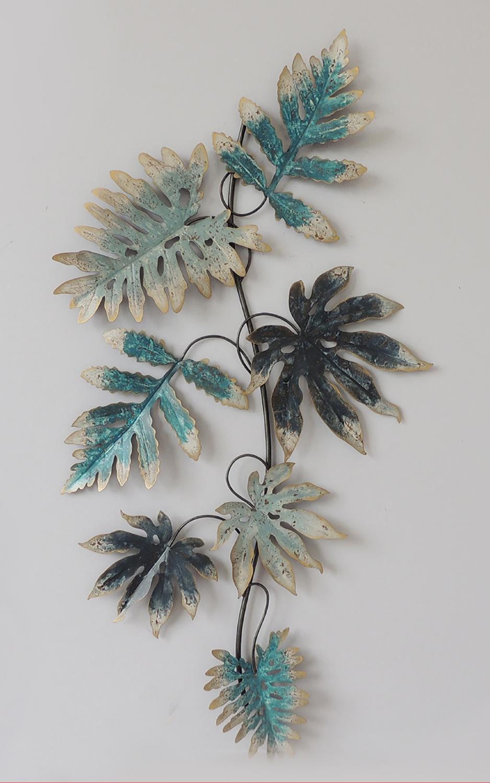 Seven green leaves