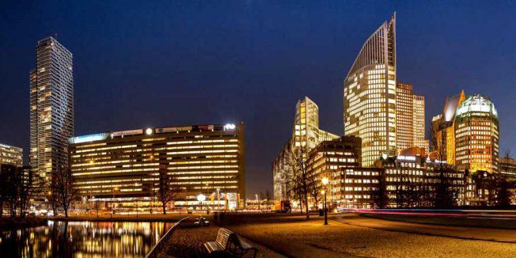"""Aluminium schilderij """"Den Haag Skyline"""" van Quentin"""