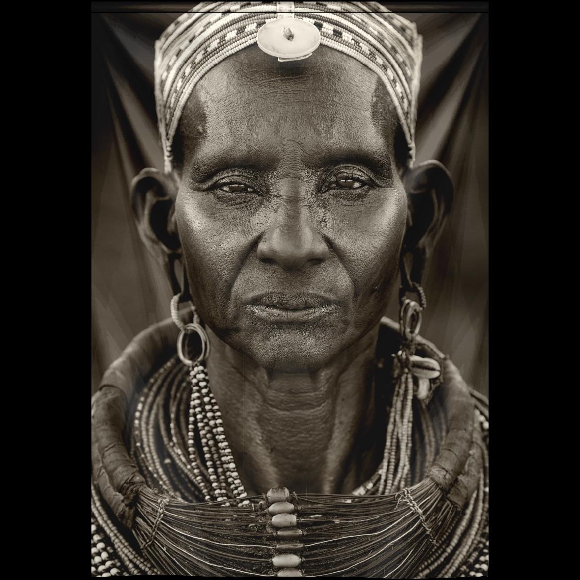 Sambura woman Wandkleed