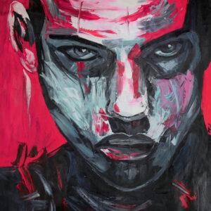 Man met rode achtergrond