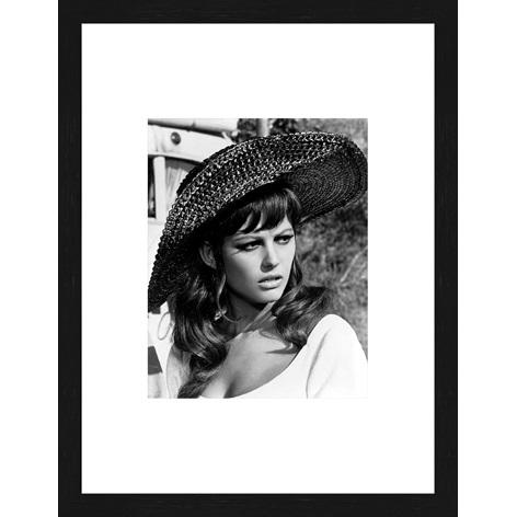 """Ingelijste poster """"Claudia Cardinale"""" van Mondiart"""