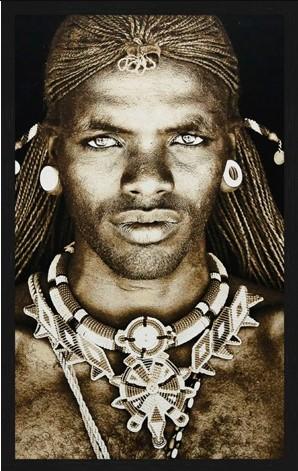 """Portrait Gobelin """"Samburu Warrior Kenya"""" van Mondiart"""