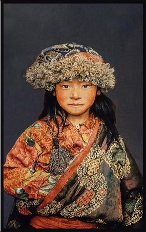 "Portrait Gobelin ""Tibetan Child Blue"" van Mondiart"