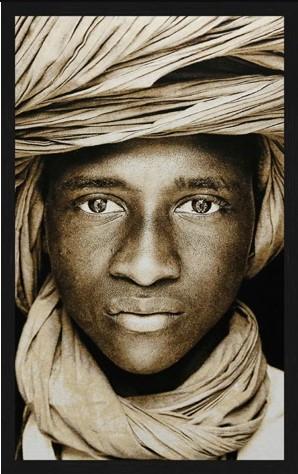 "Portrait Gobelin ""Tuareg Boy Mali"" van Mondiart"