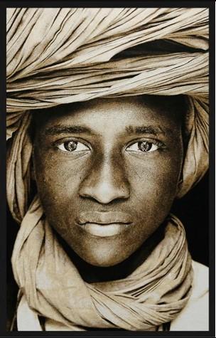 "Portrait Gobelin ""Tuareg Boy Mali Sepia "" van Mondiart"