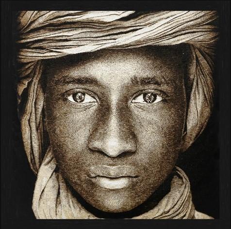 "Vierkant Gobelin ""Tuareg Boy Mali Sepia"" van Mondiart"
