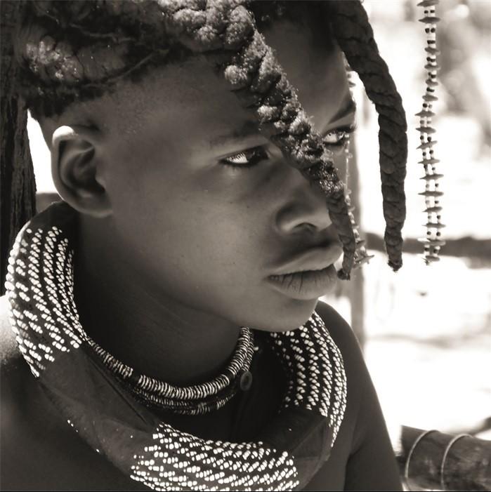 "Aluminium schilderij ""Himba Dreamer"" van MondiArt"