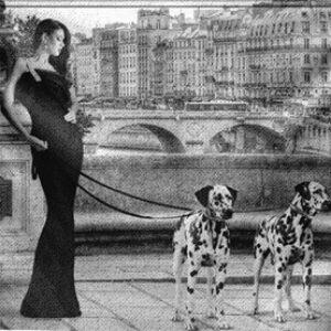 """Wandkleed """"Walking in Paris"""" van Mondiart"""