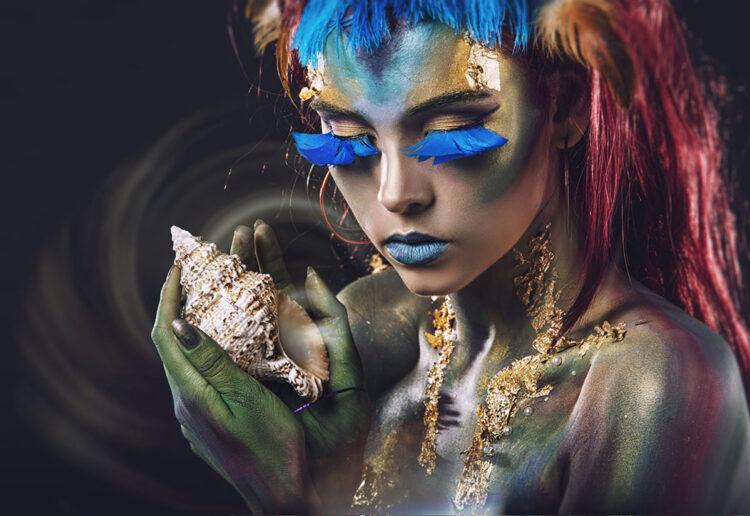 "Glasschilderij ""Woman with shell"""