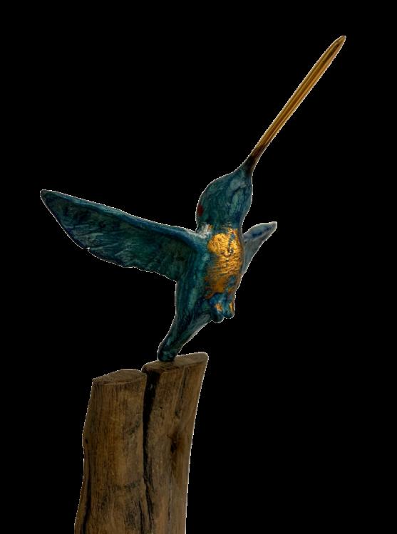 bronzen beeld kolibri op marmeren voet closeup