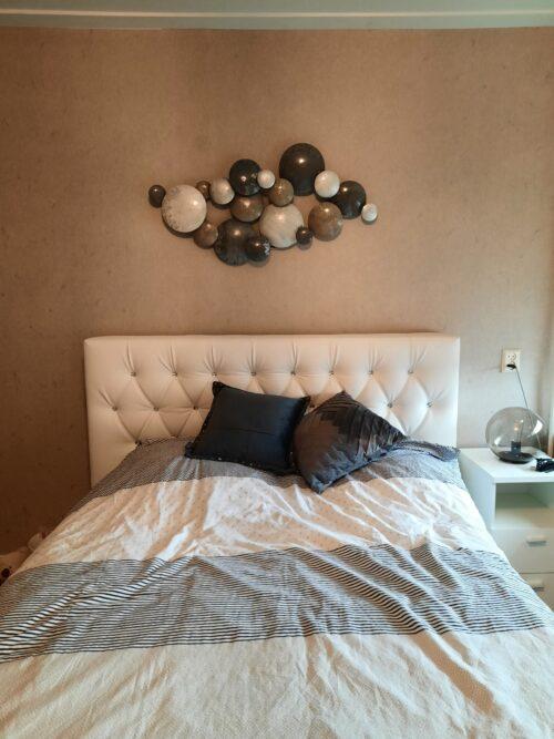Mooi ornament boven bed