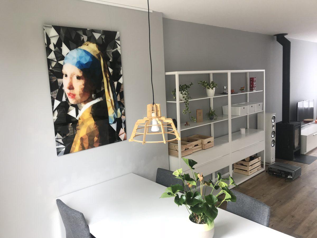 Vermeer-dere waarde aan de kamer